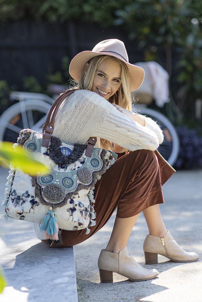 Lg Velvet Bag